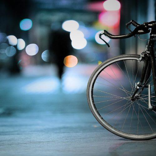 Szafa garażowa a przechowywanie rowerów