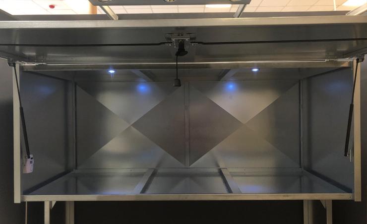 szafy garażowe - oświetlenie led