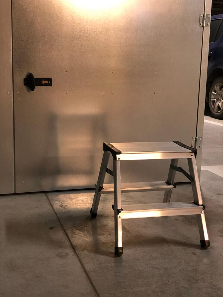 drabina techniczna do szafy garażowej